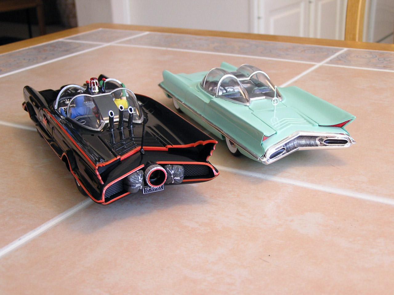 Batmobile-Futura-2.JPG