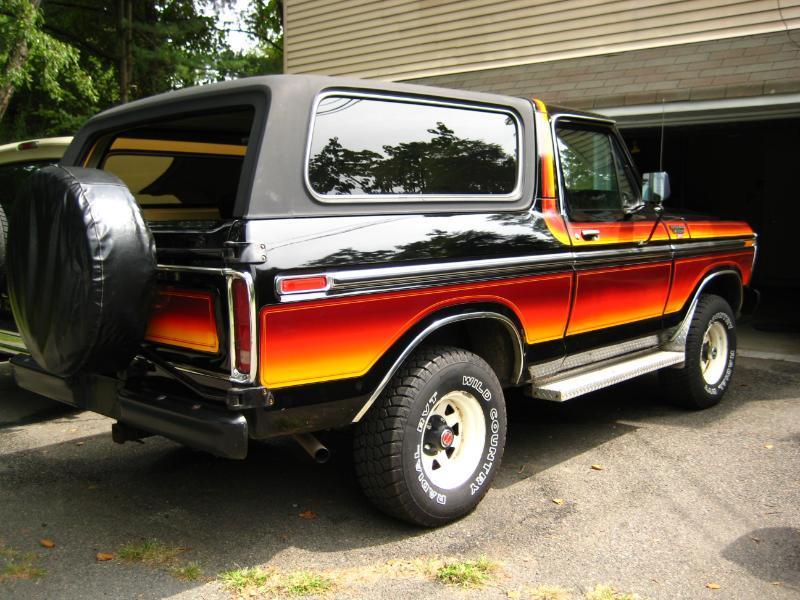 Pics-of-a-really-cool-78-free-wheelin-Bronco-ford-bronco-19686736-800-600.jpg.142aa4267dcebd2a20e830930394c60c.jpg