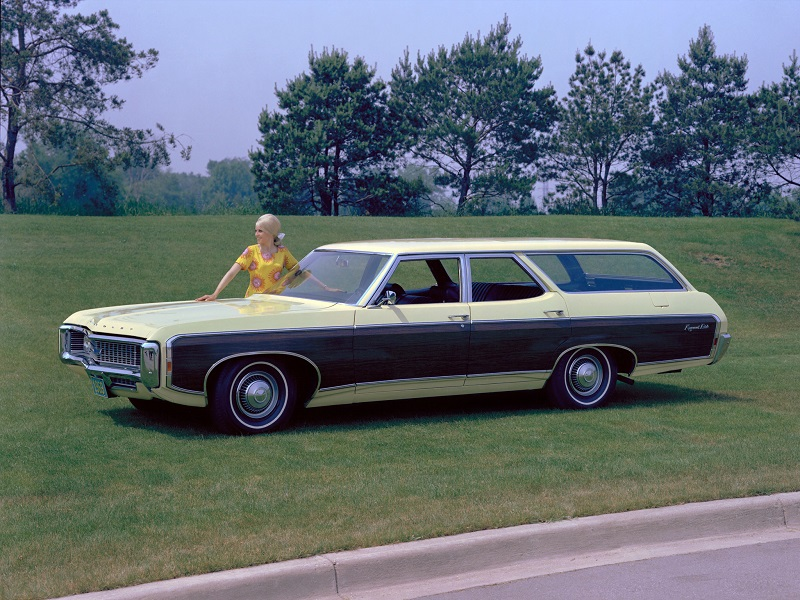 chevrolet_kingswood_estate_wagon_1.jpg