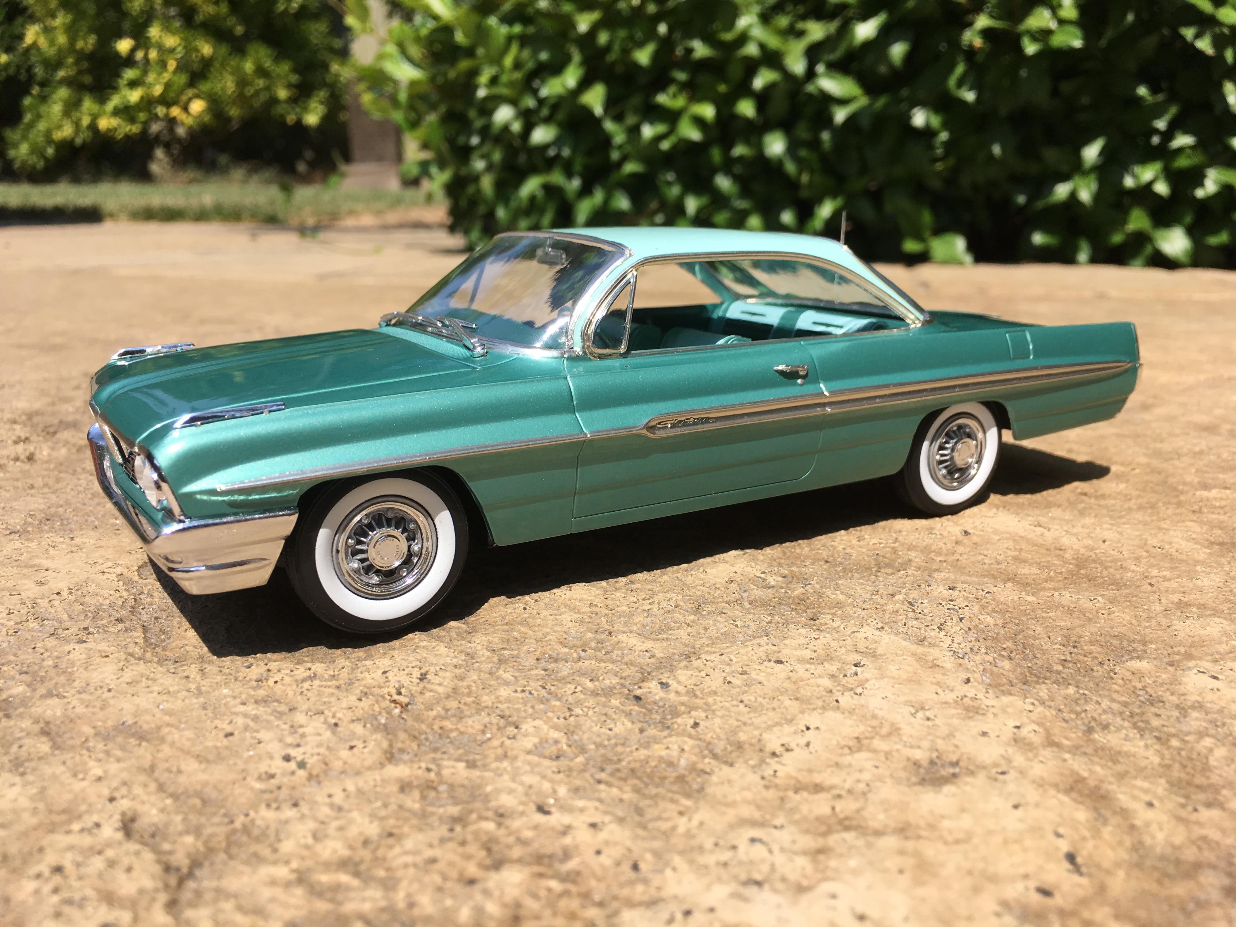 1961 Pontiac Catalina Ventura - Under Glass - Model Cars
