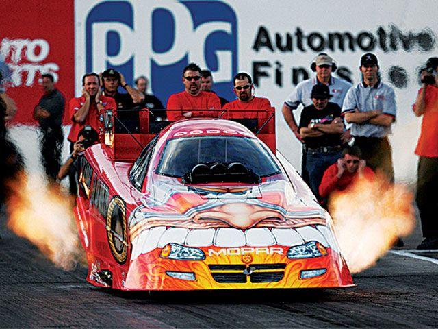 0511tr_06_z+2005_dodge_ram_oakley_custom+drag_car.jpg