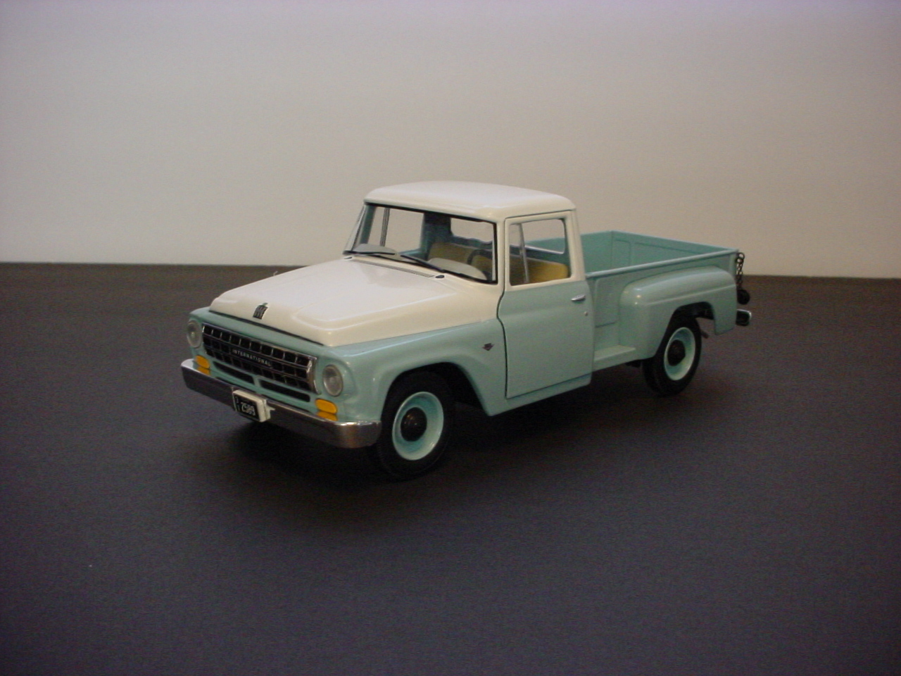 63 International 1100 Pickup (first gear) - Diecast and