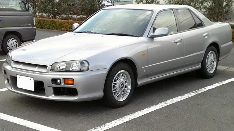 Nissan_Skyline_1998.jpg.65f1af85f5333ec74f6cfdeaf9d4b378.jpg