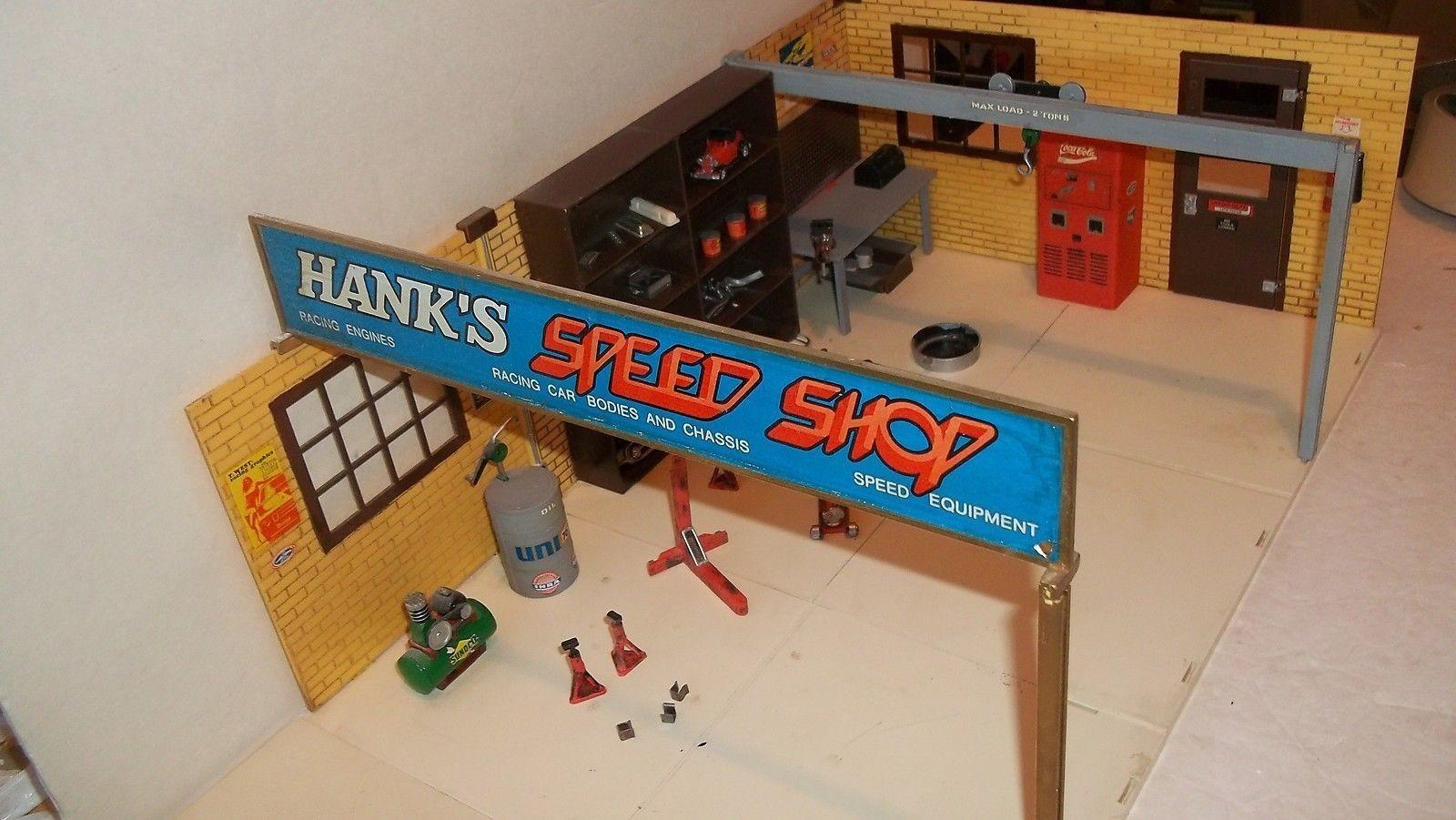 Aurora Hanks's Speed Shop 001.jpg