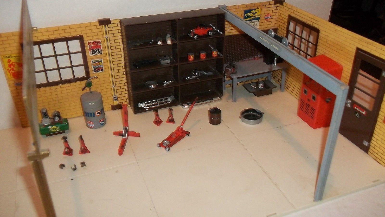 Aurora Hanks's Speed Shop 002.jpg