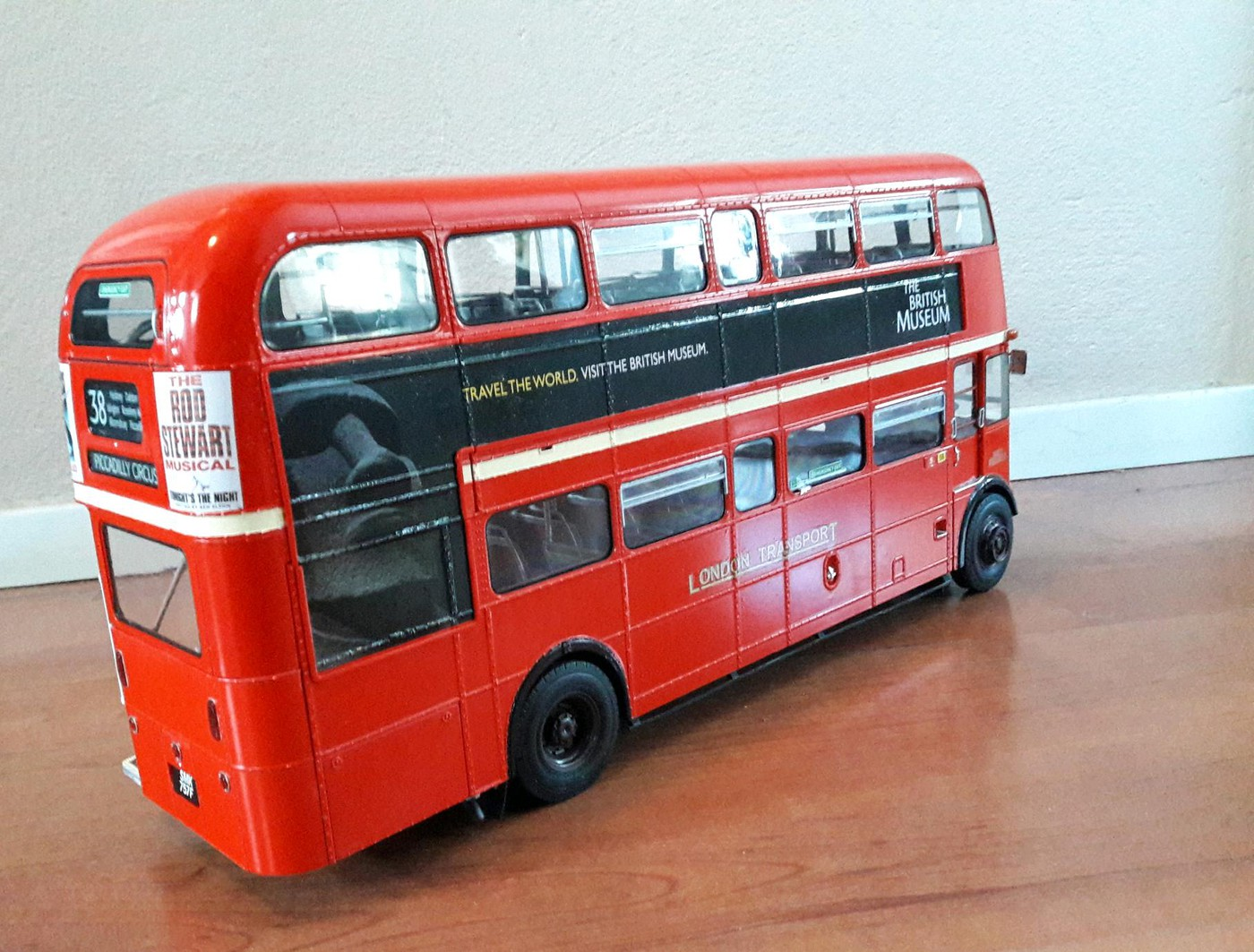 AEC Routemaster RML - London bus - Model Trucks: Big Rigs