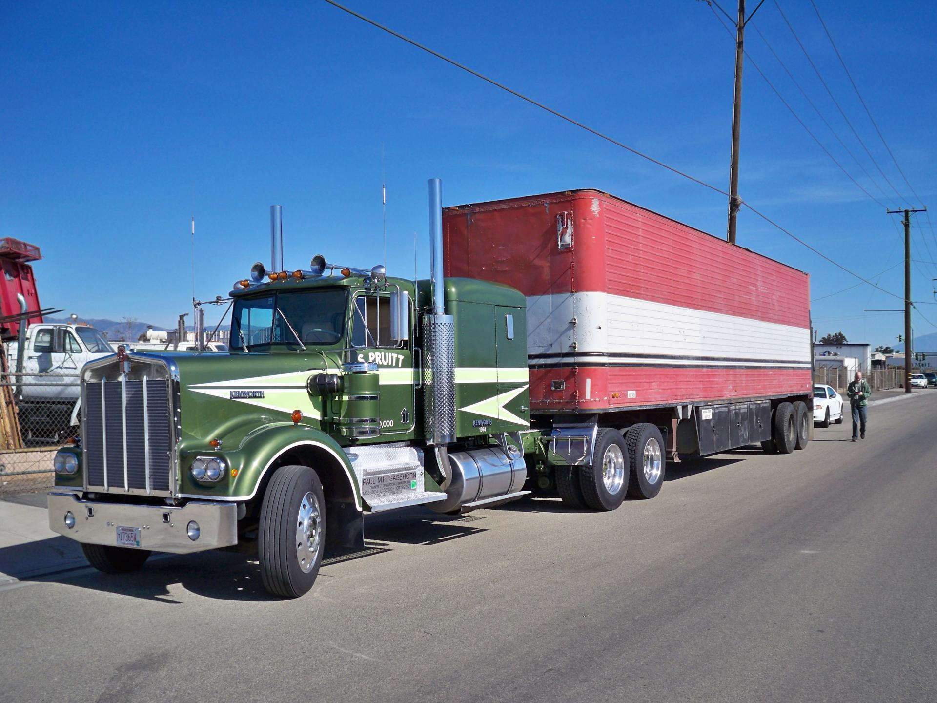 truck004.thumb.jpg.eb4649bc9a1de30111b000fc62e7e250.jpg