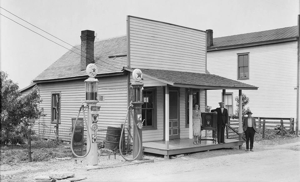 Texaco-Thompson Road, Lexington, KY- American pumps.jpg