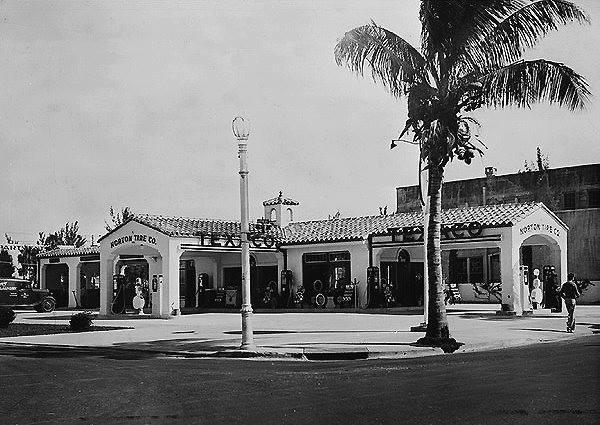 Texaco - Spanish style Miami Beach 1939.jpg