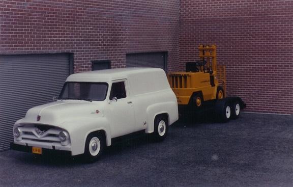 5cab64efce49d_Ford_1954_Panelforlift.jpg.7800da5003b9759e01957a0038a0d360.jpg