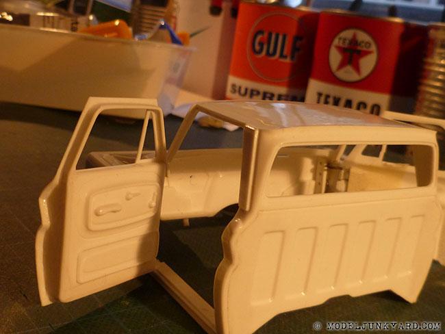 64-chevy-pickup-fleetside-revell-1-25-scale-35-door-panels.jpg