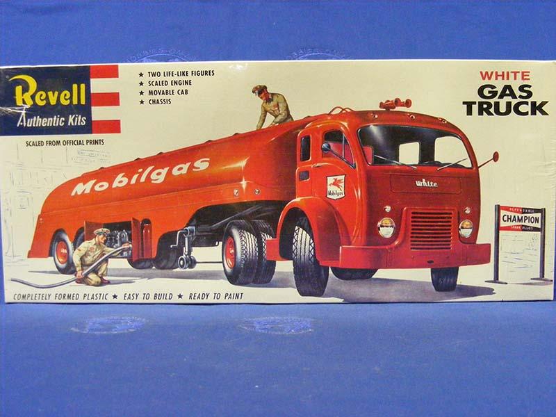 0015504_white-gas-truck-mobilgas.jpg.0d0bed4c4709085456f537062ca4271c.jpg