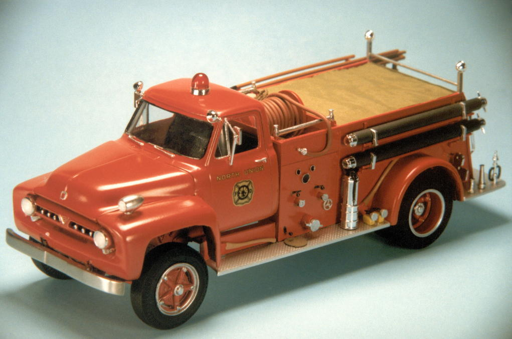 1953 Ford F750 pumper (2).jpg