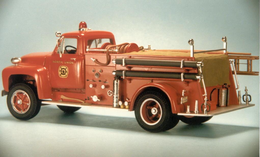 1953 Ford F750 pumper (4).jpg