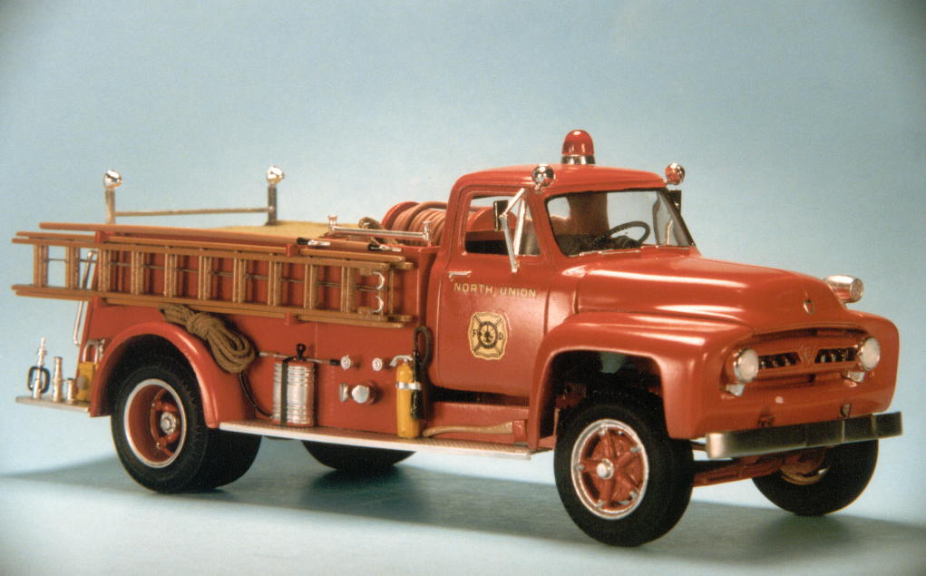 1953 Ford F750 pumper (6).jpg