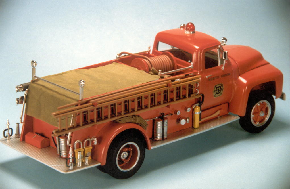 1953 Ford F750 pumper (7).jpg