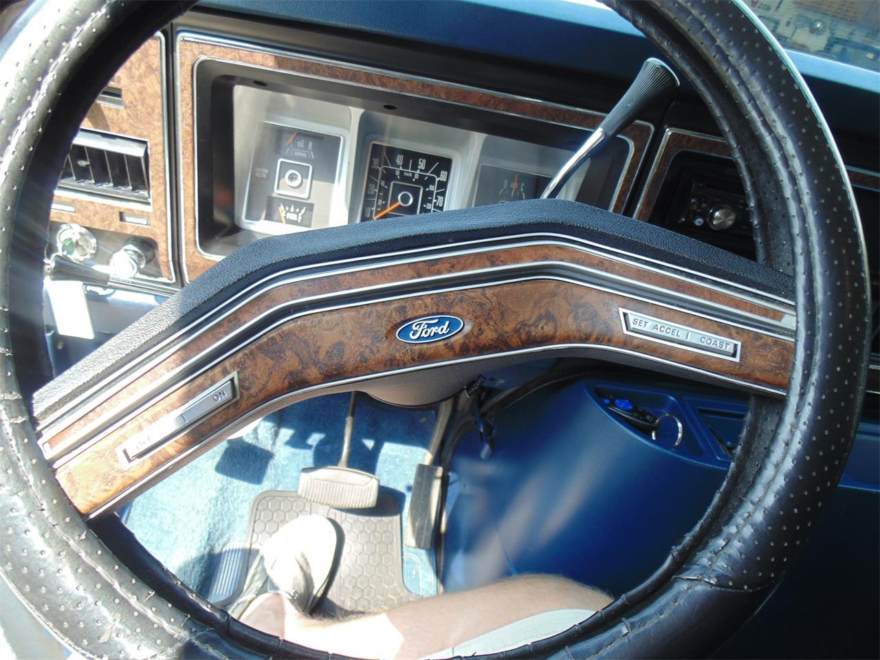 9472211-1978-ford-e150-std.jpg