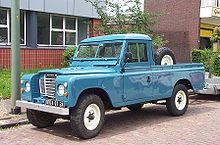 220px-Land_Rover_109_Pick-Up_1980.jpg