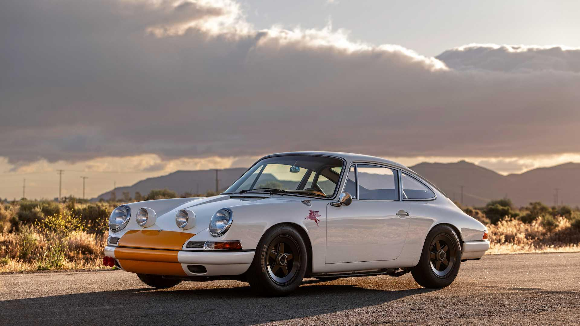 emory-motorsports-is-excited-to-unveil-its-first-ever-fully-custom-911-the-emory-outlaw-911k 7.jpg