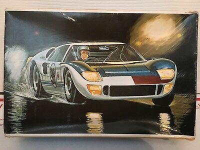 Vintage-1968-AMT-Model-Kit-FORD-GT40-MARK.jpg