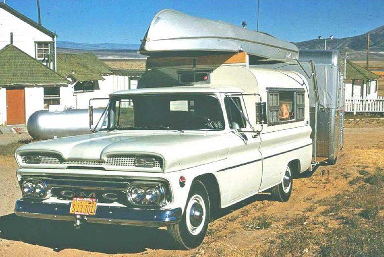 1960s-GMC-Pickup-Truck-Travel-Trailer-and-Boat-760x509.jpg.a92863cd9eb7aca9583a051e1ff357f9.jpg