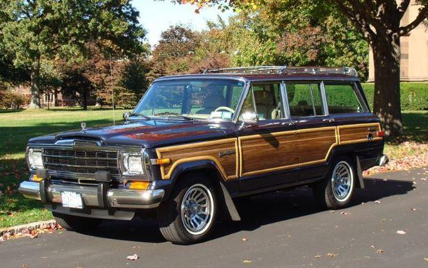 JEEP 1990 GRAND WAGONEER similar to one I had.JPG