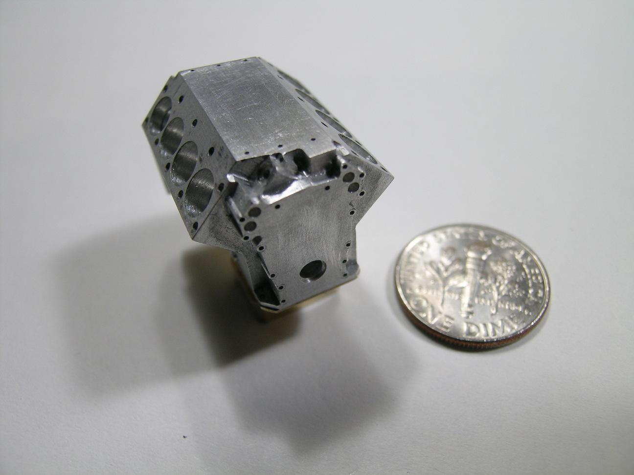 4b-EngineBlock.JPG.32139e65a6f02c33387e83ec1c79aa40.JPG