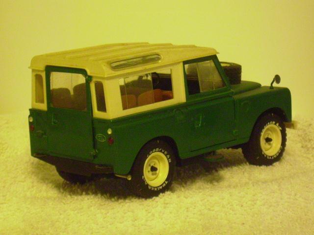 England's Land Rover r.JPG