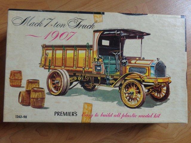 07 Mack Premier_1.jpg