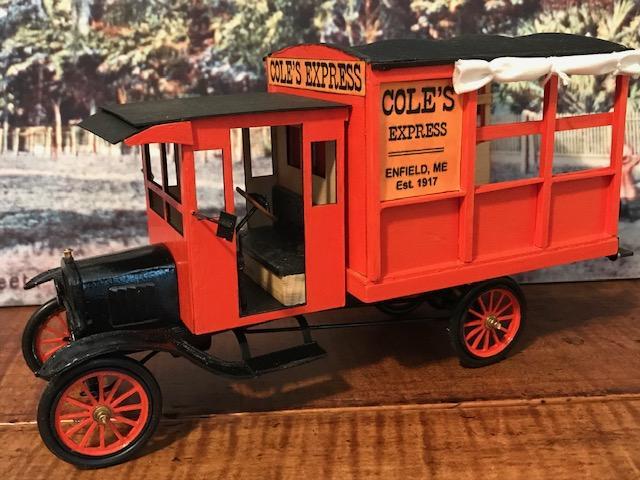 1917 Ford Model T Express.jpg