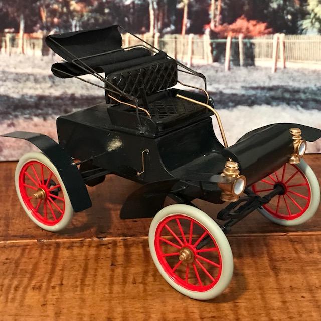 1904 Oldsmobile2.jpg