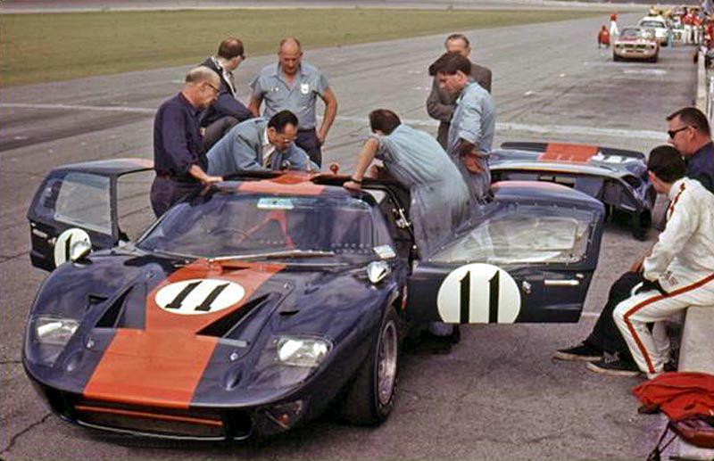 782035000_Ford_GT40MKI_P1049_1967_11_Daytona_Ickx-Thompson_196.jpg.97368f9d8d319038c33169964195a550.jpg