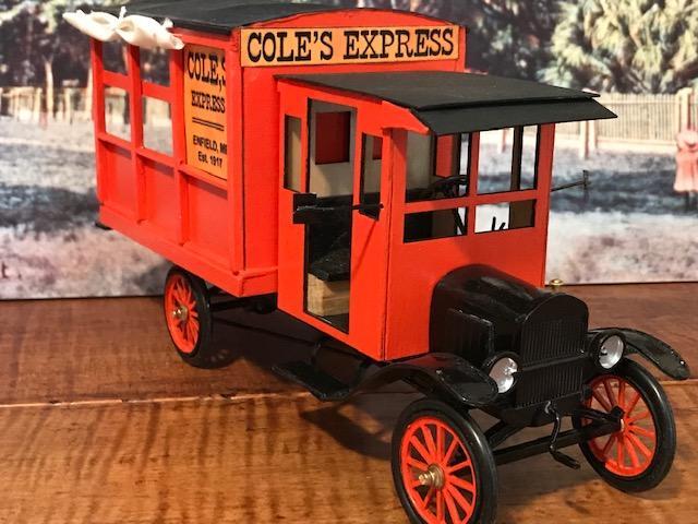 1917 Ford Model T Express2.jpg