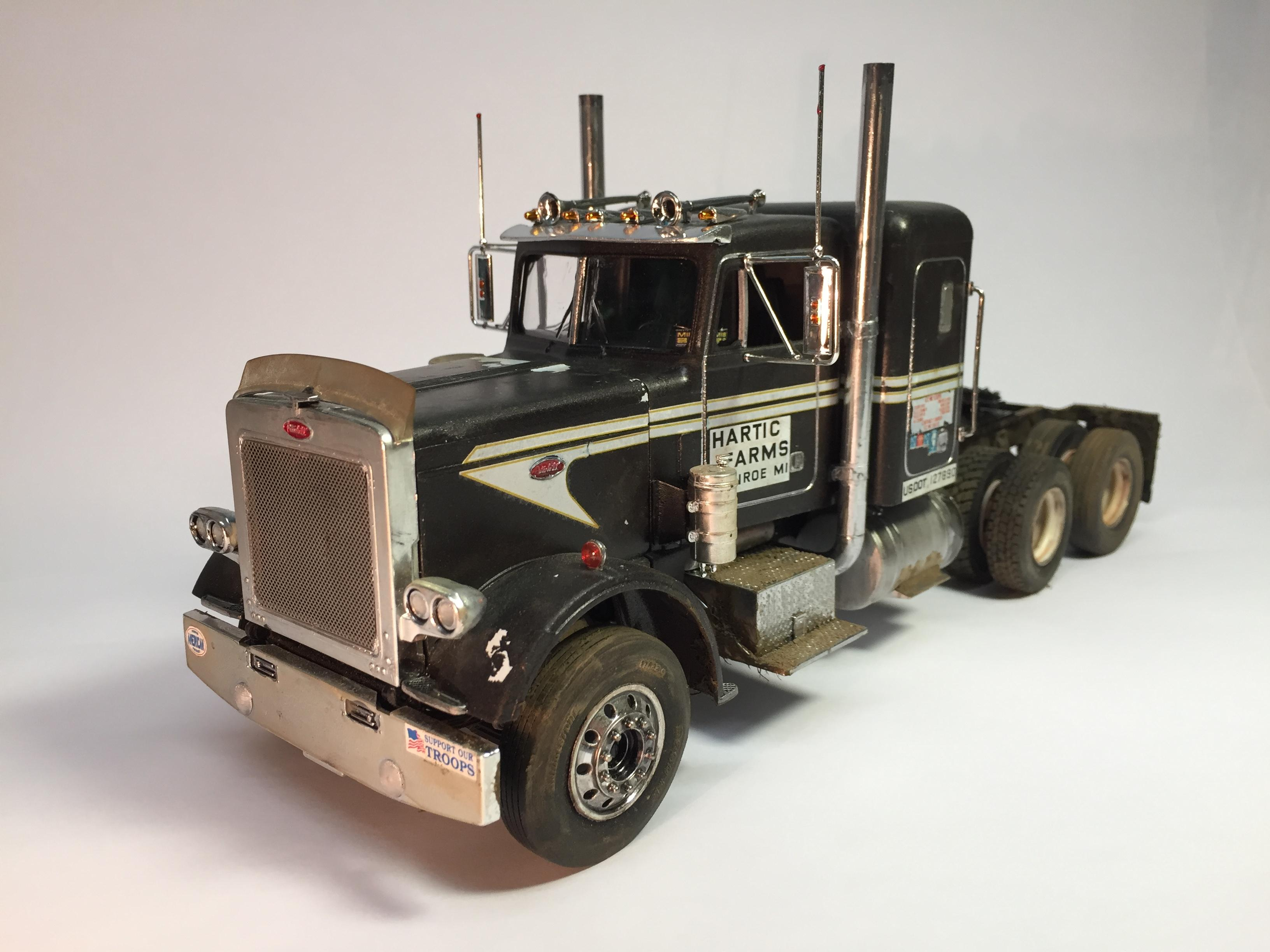 If Anyone Has Built The Revell Usa Peterbilt 359 Snap Tite Model Trucks Big Rigs And Heavy Equipment Model Cars Magazine Forum