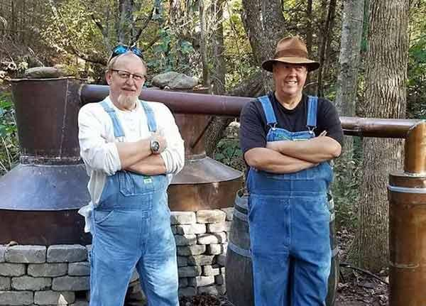 Mark-and-Digger-from-Moonshiners.jpg