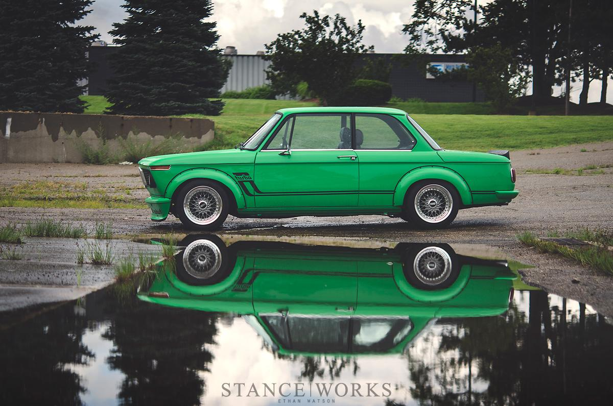 signal-green-bmw-2002-turbo-is-a-work-of-art-photo-gallery_6.jpg