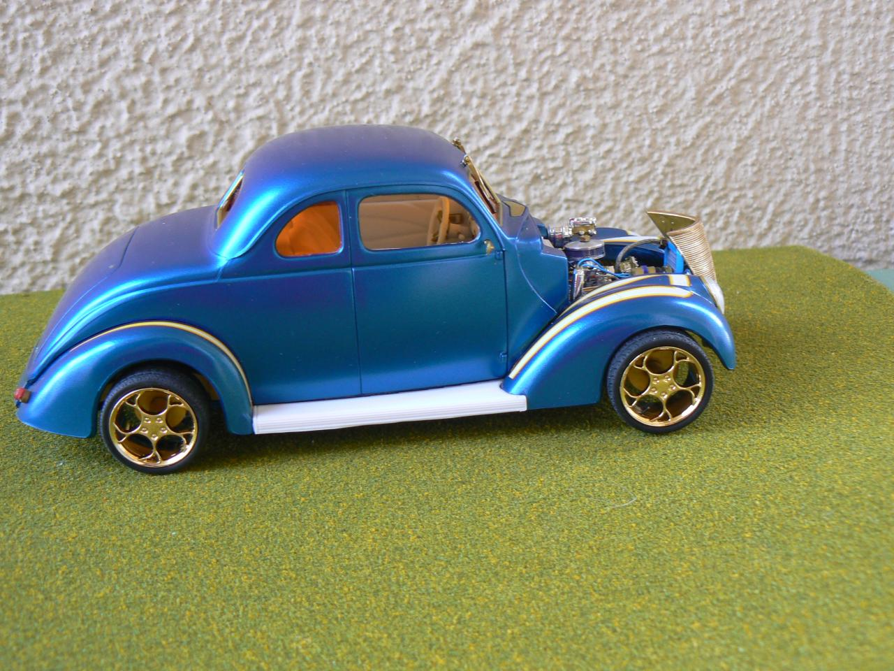 my blue hotrod was done on my 18 wheeler while i was on road